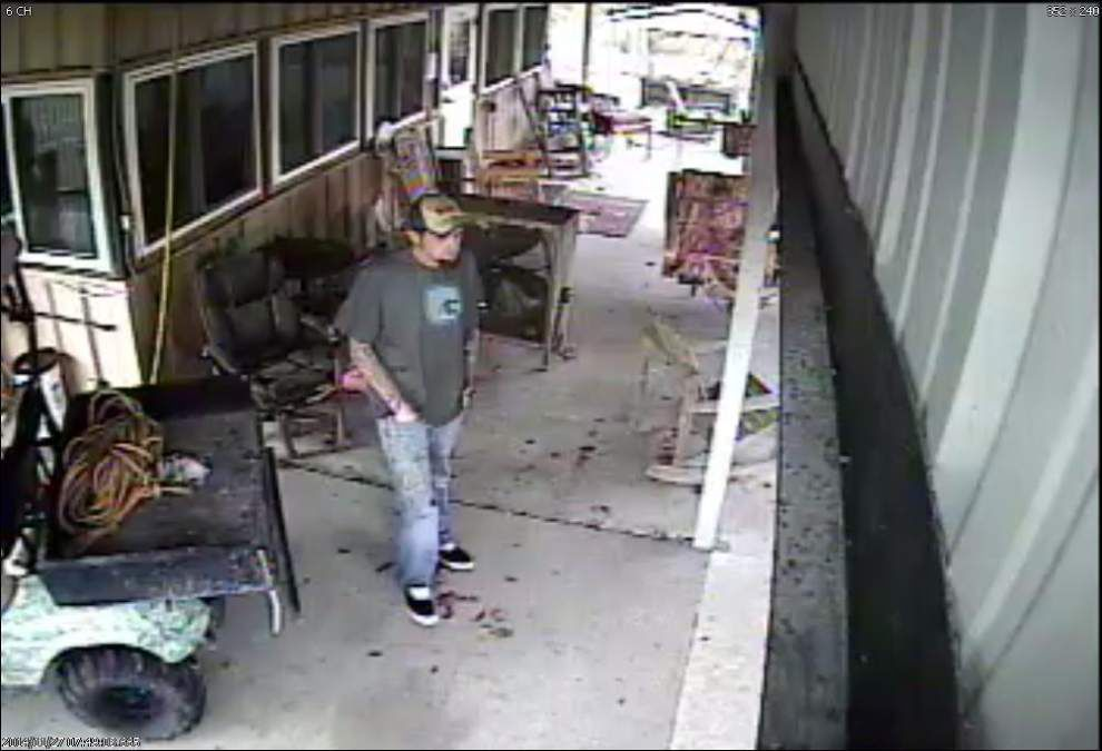 Thief sought in hunting camp theft in Gonzales on Thanksgiving day _lowres