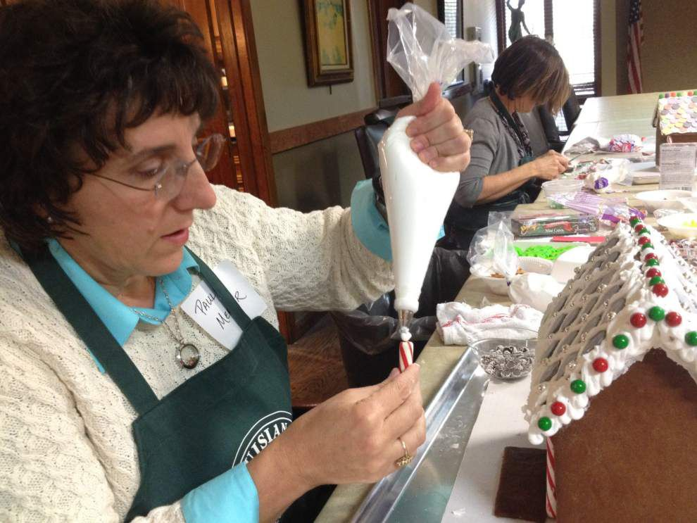 Gingerbread houses more than just sweet treats for Southside woman _lowres
