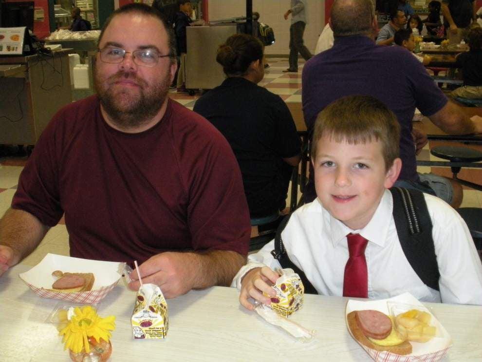 Hammond Westside Elementary invites dads to school _lowres