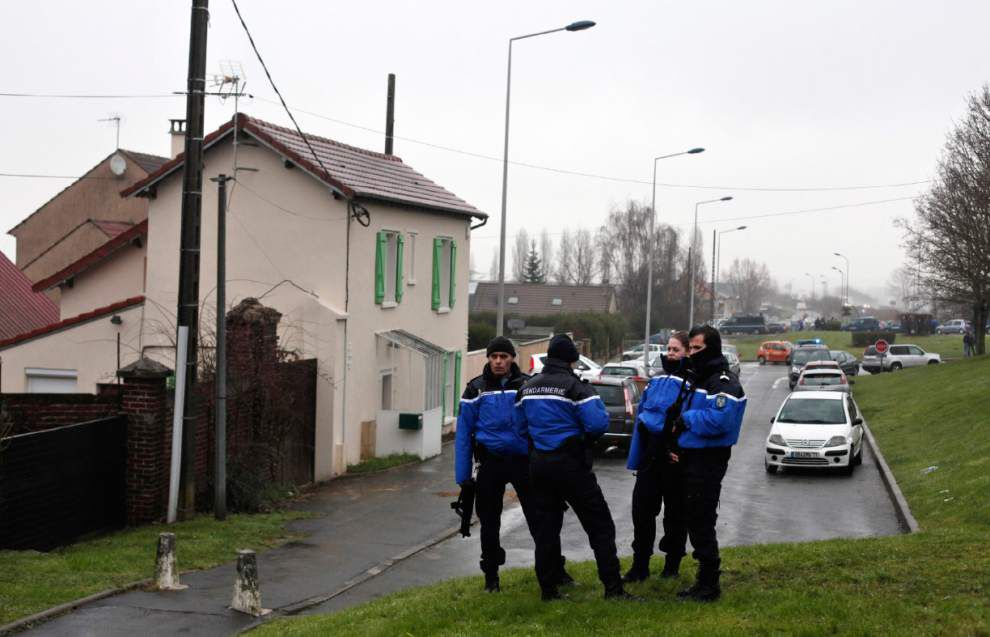 French police kill gunmen in twin attacks, free 16 hostages _lowres