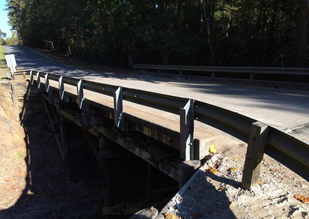 Burnett Road reopens after bridge repair work _lowres