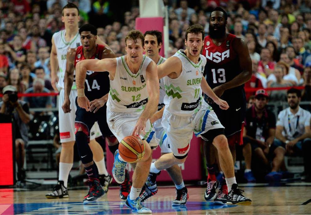 U.S. beats Slovenia 119-76 to reach semis at worlds _lowres