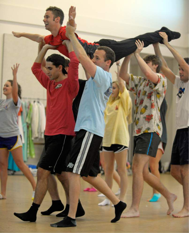 Class shares talents with Broadway showcase _lowres