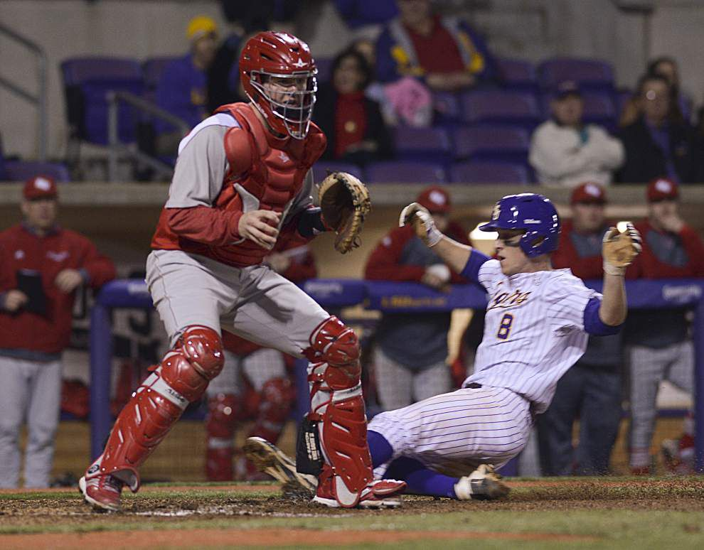 LSU rebounds, beats Sacred Heart _lowres