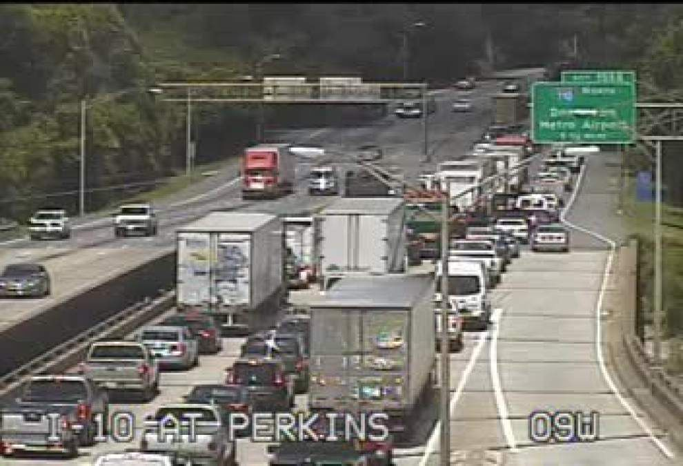 All lanes clear on I-10 West, I-110 South, but congestion continues after earlier accidents _lowres