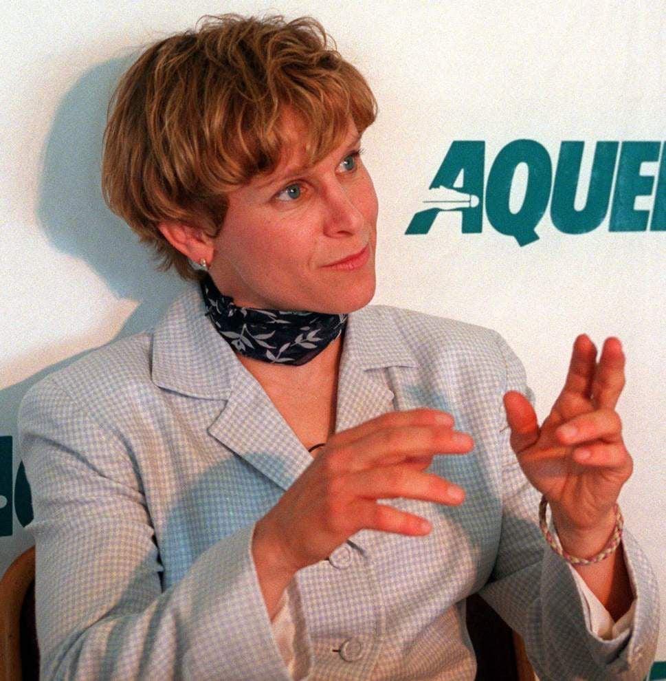 Legendary jockey Julie Krone says the door to Rosie Napravnik's return is always open _lowres