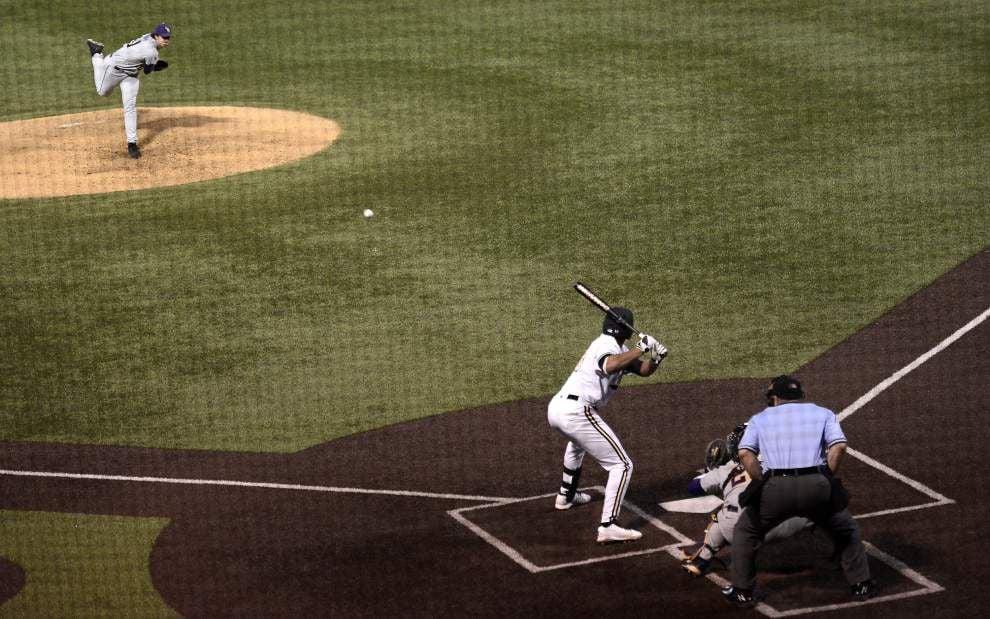 LSU baseball postgame: Tigers defeat Vanderbilt 4-2 _lowres