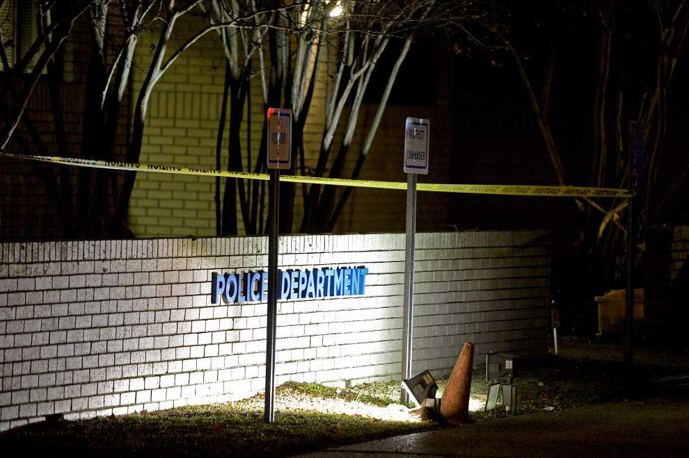 Man attempts suicide at Baton Rouge police station _lowres