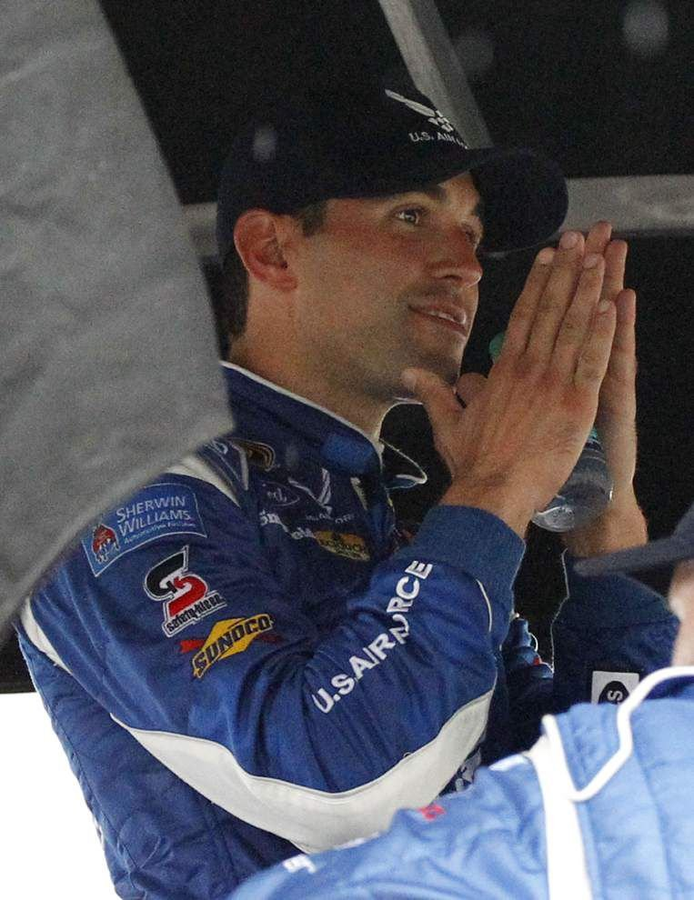 At Daytona, Aric Almirola puts No. 43 car back in Victory Lane _lowres