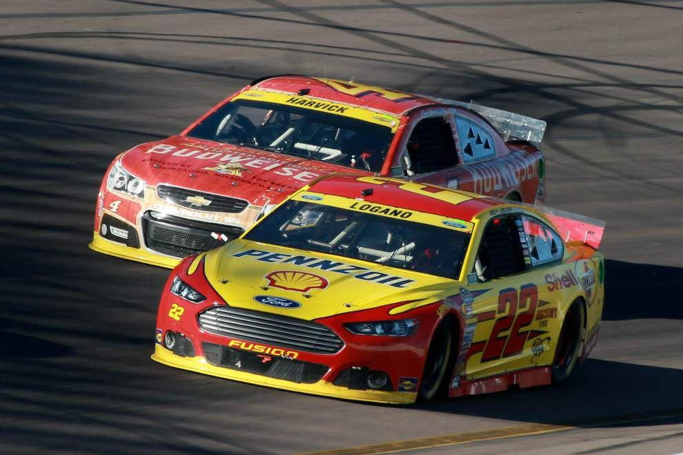 Harvick wins, advances to final round; Gordon ousted _lowres