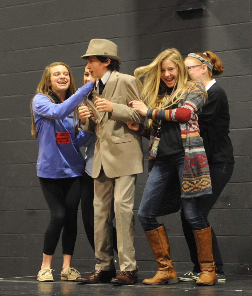 'Bugsy Malone' brings dinner theater to school _lowres