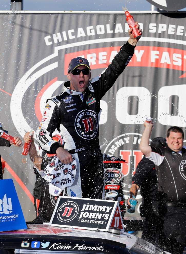 Kevin Harvick wins Nationwide race after late burst _lowres