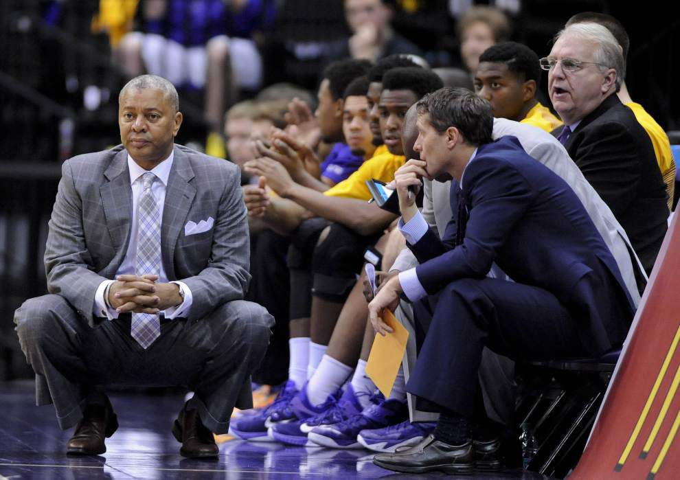 LSU's Johnny Jones tries to keep old friends off schedule _lowres