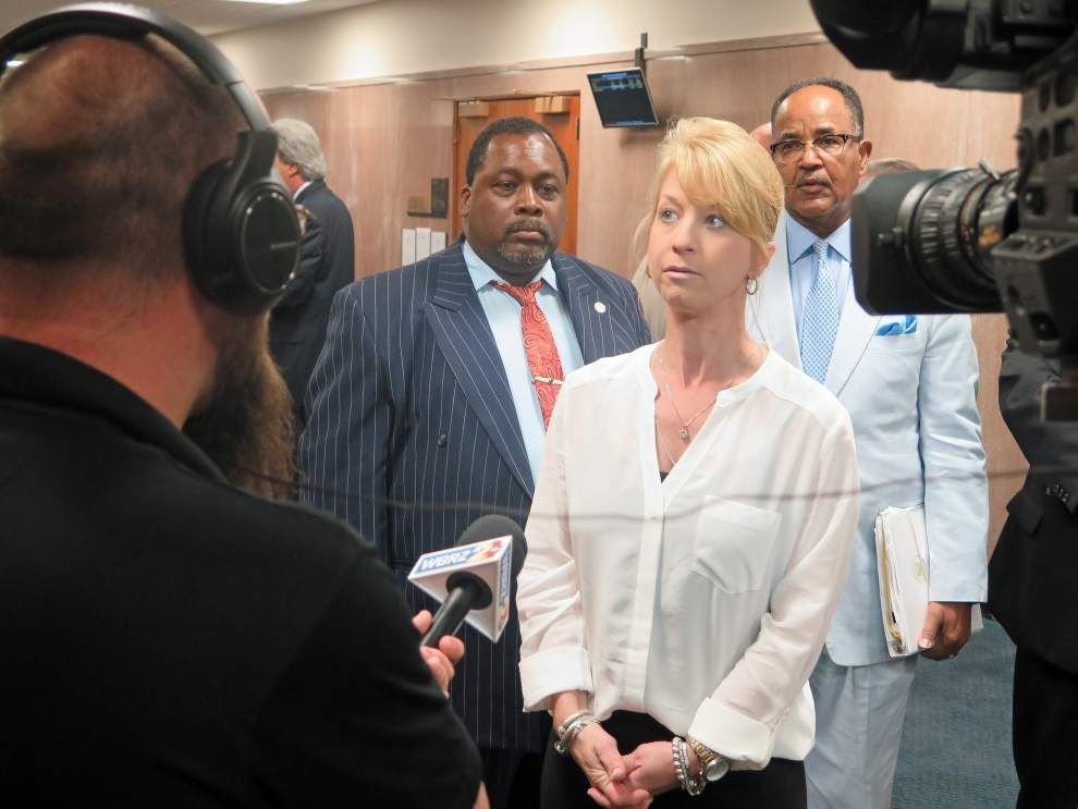 Tougher domestic violence bills sent to Jindal _lowres