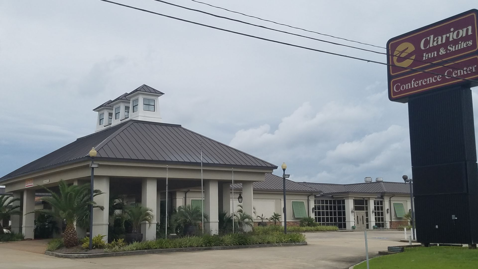 St. Tammany's largest full-service hotel closes, leaves tourism officials scrambling for alternate locations