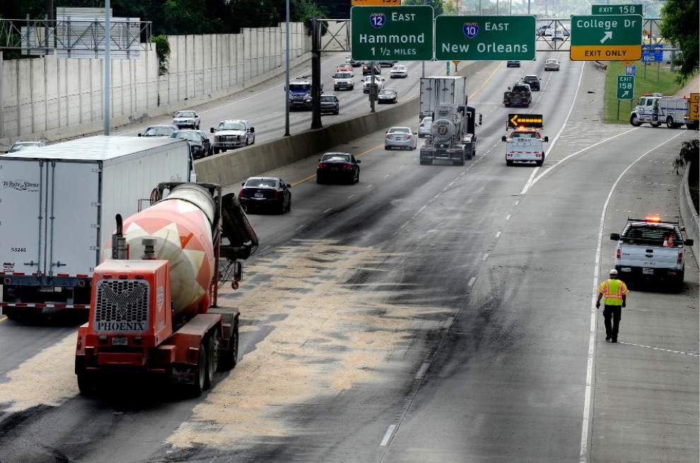 Authorities: 'Roofing tar' spill snarled traffic on I-10 _lowres