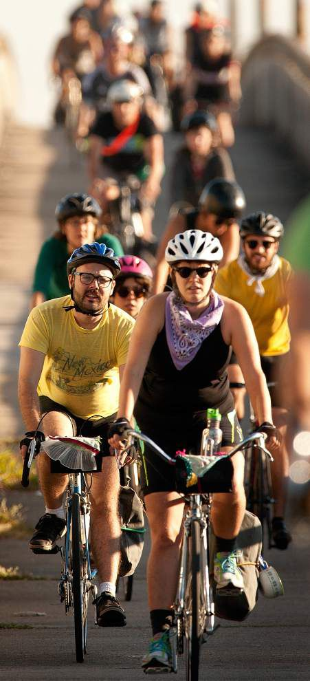 Cyclists raise money to help inmates, families _lowres