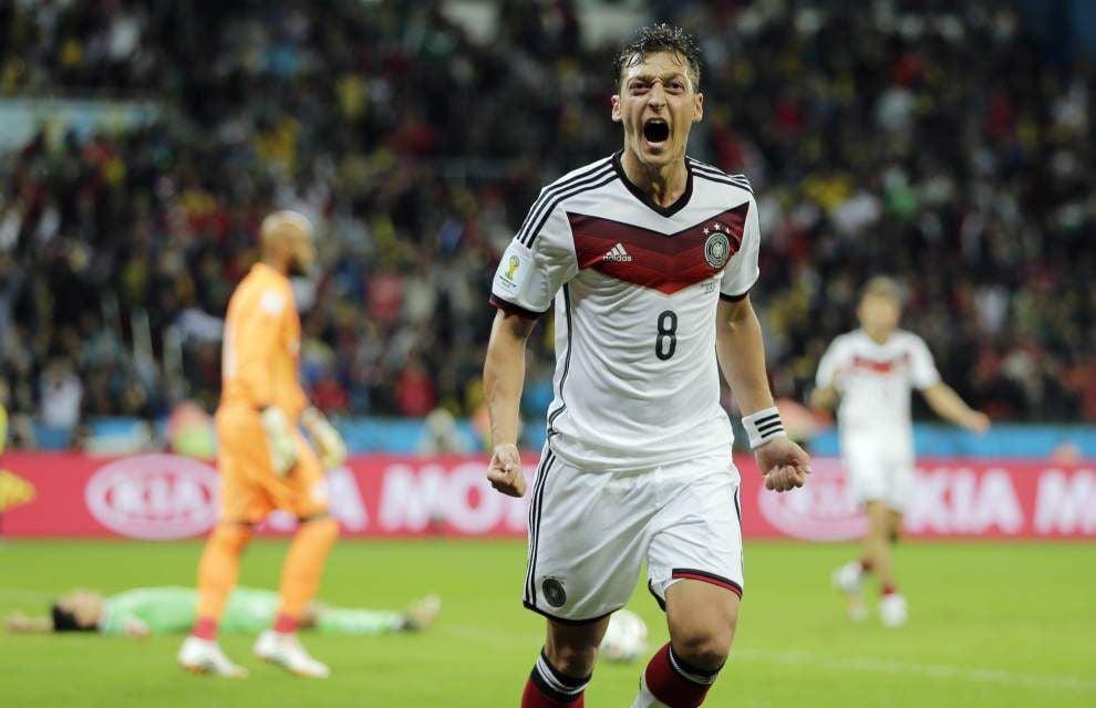 Germany edges Algeria _lowres