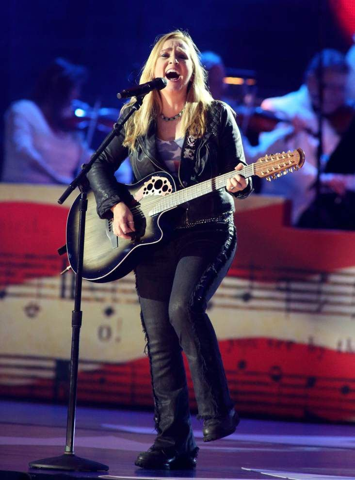 Tickets on sale Friday for Melissa Etheridge concert _lowres