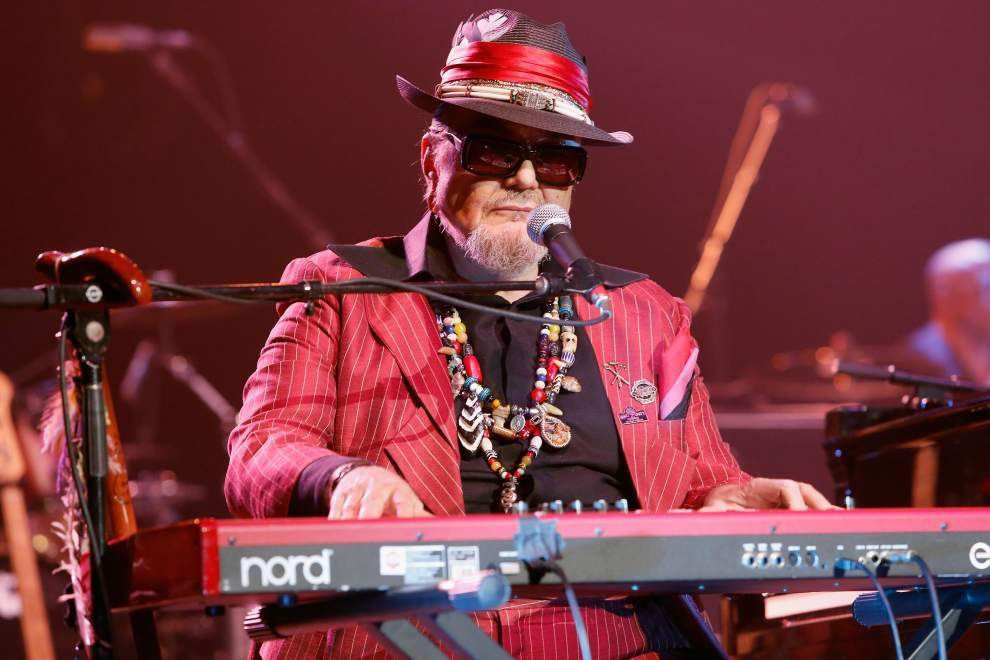 Stars come out en masse for Saenger tribute to Dr. John _lowres