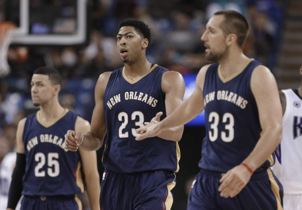 Anthony Davis powers Pelicans past Kings 106-100 _lowres