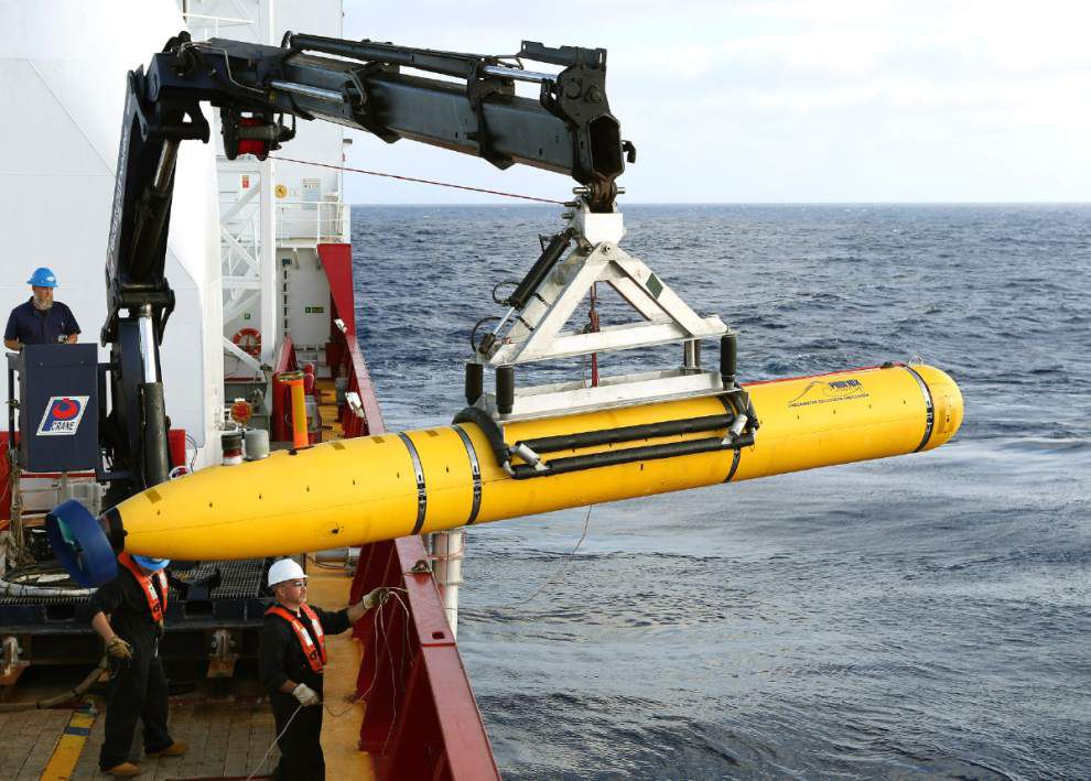 Deep water thwarts robot sub's 1st search for jet _lowres