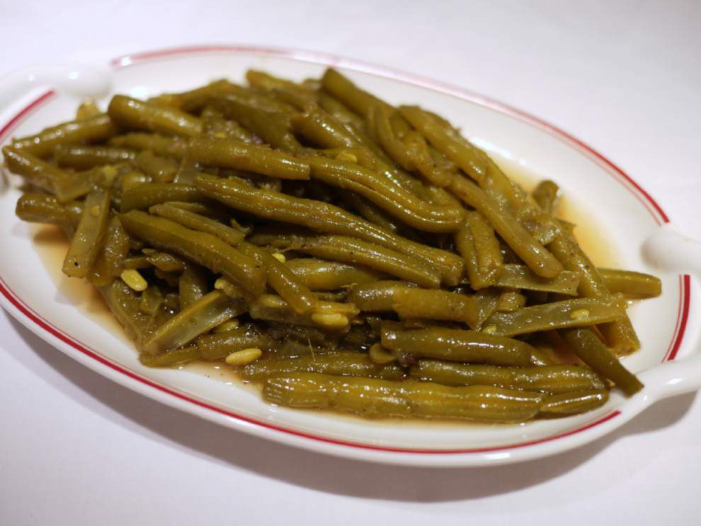 Southern-Style Green Beans in Bacon Grease Stock _lowres