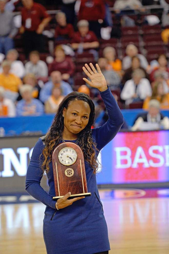 Tememka Johnson honored as SEC Legend _lowres