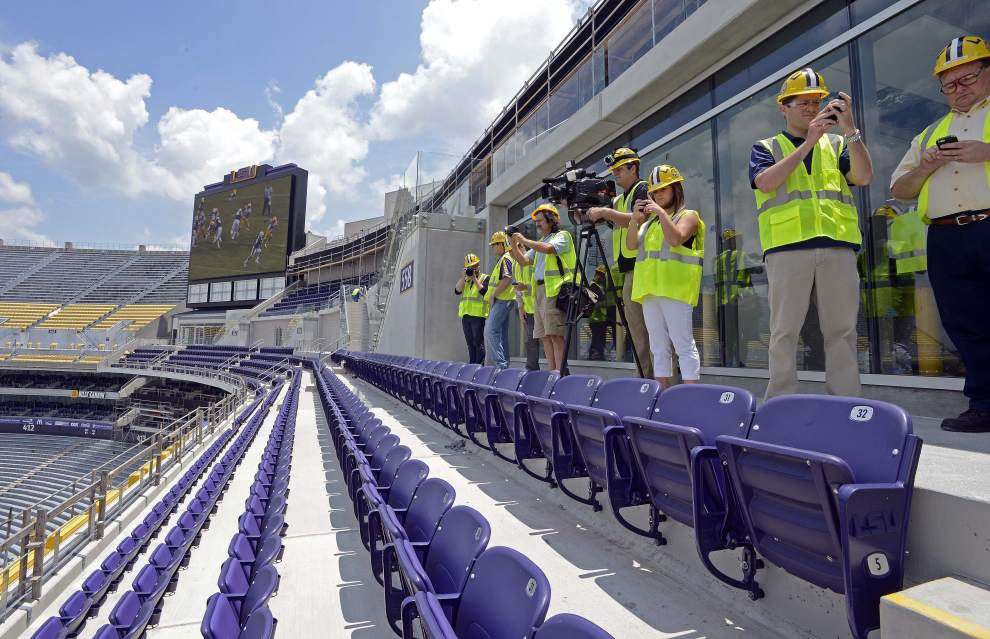 LSU sells school-record 74,350 season tickets _lowres