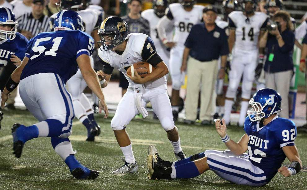 Jesuit routs Holy Cross in District 9-5A opener _lowres