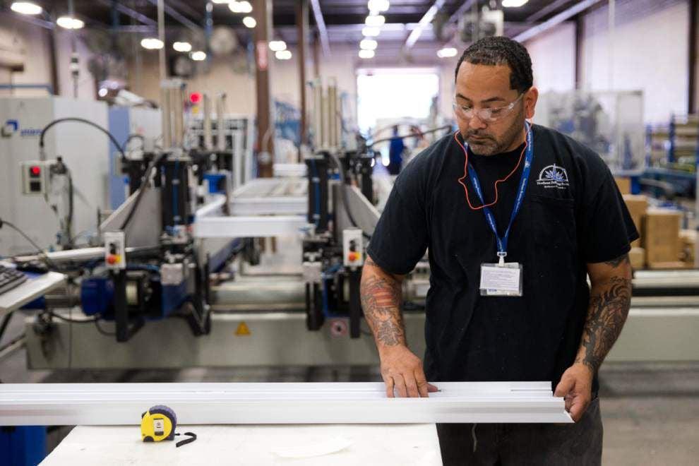 U.S. economy grew at brisk 4.2% rate in Q2 _lowres