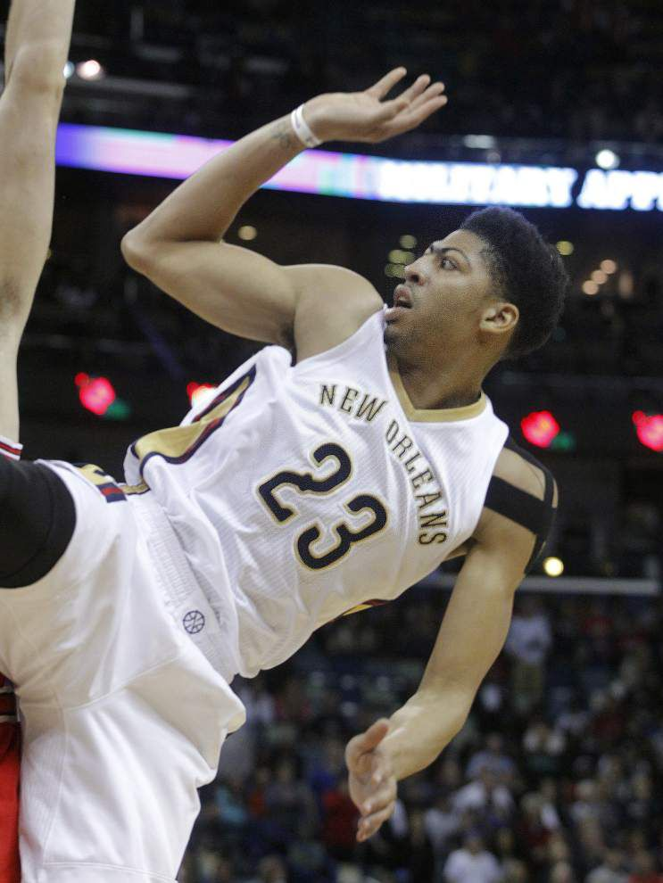 After Anthony Davis exits early, Bulls roll through Pelicans 107-72 _lowres