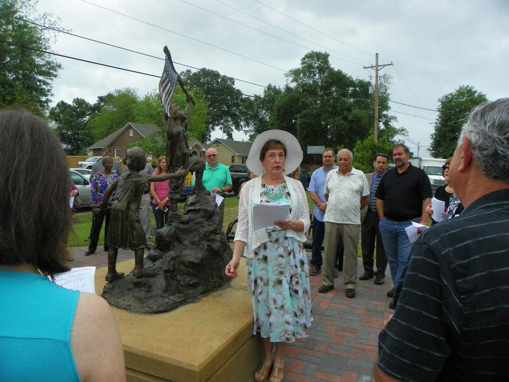 Women honored with trees in park dedication _lowres