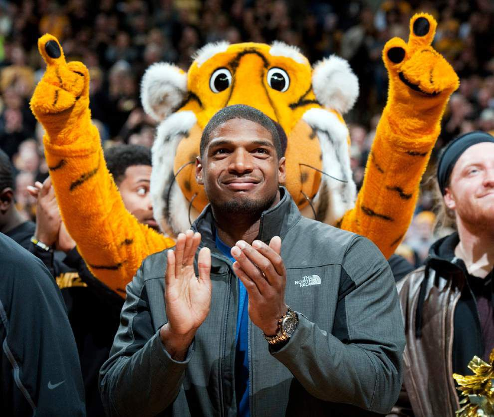 Rams pick Michael Sam in seventh round _lowres