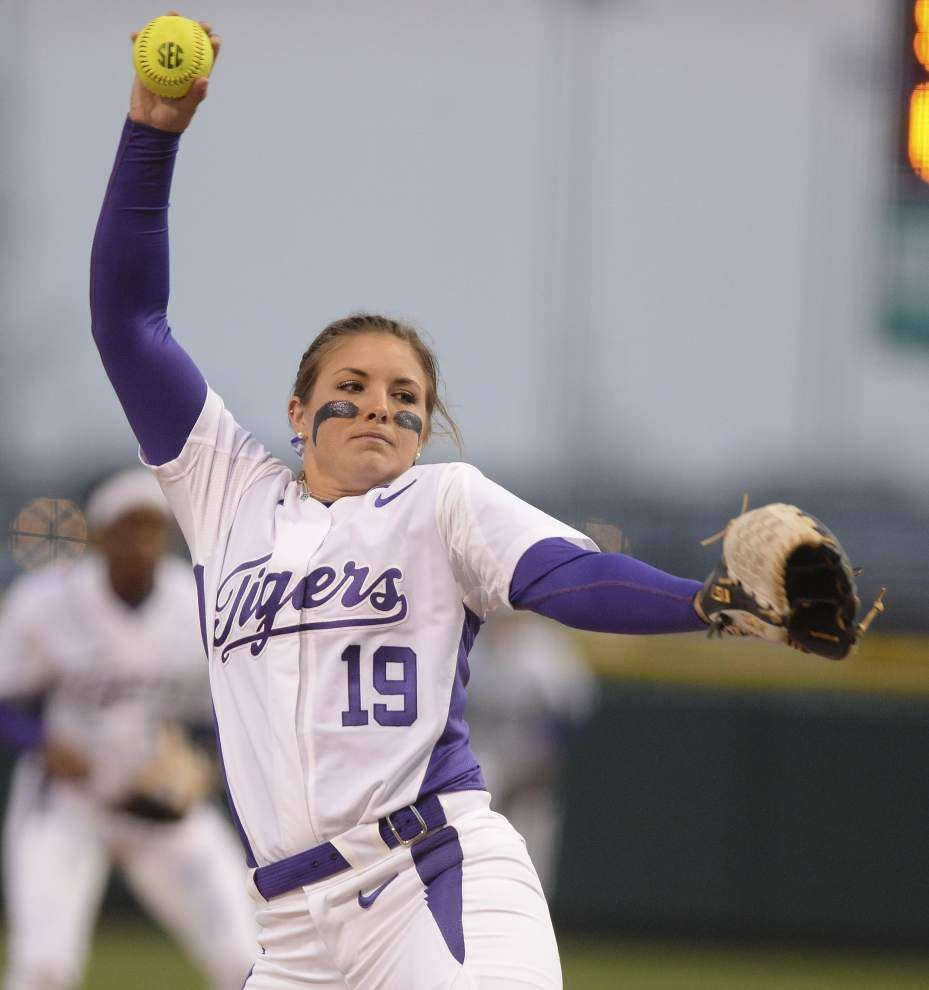 LSU softball team digs deep, goes deep to improve to 18-0 _lowres