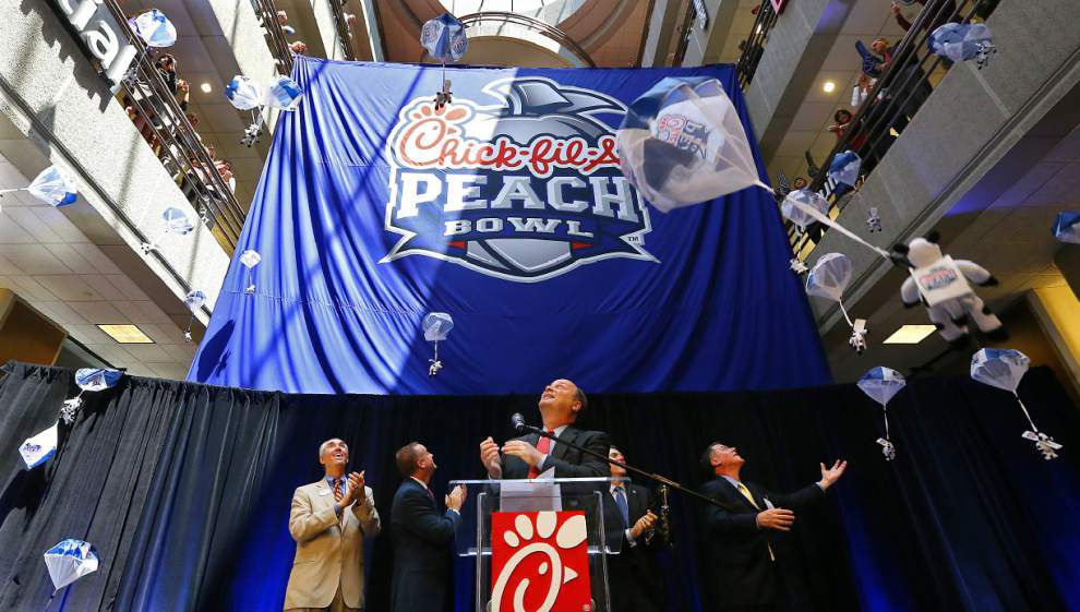 Peach Bowl eyeing CFP title game, Super Bowl bid _lowres