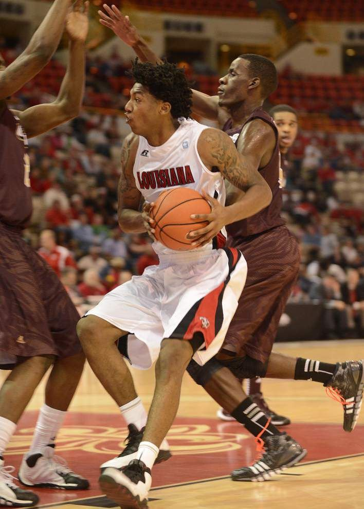 Cajuns end three-game skid by topping ULM _lowres