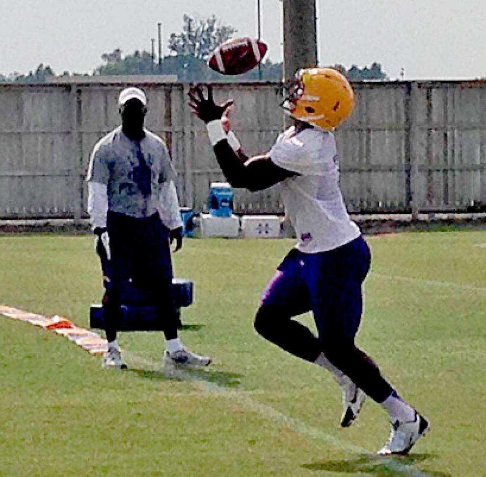LSU PM Practice Report: Fournette, Paris go through gauntlet passing drill _lowres