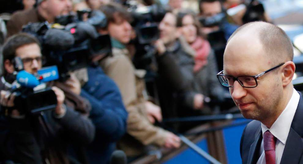 EU leaders weighing sanctions against Russia _lowres