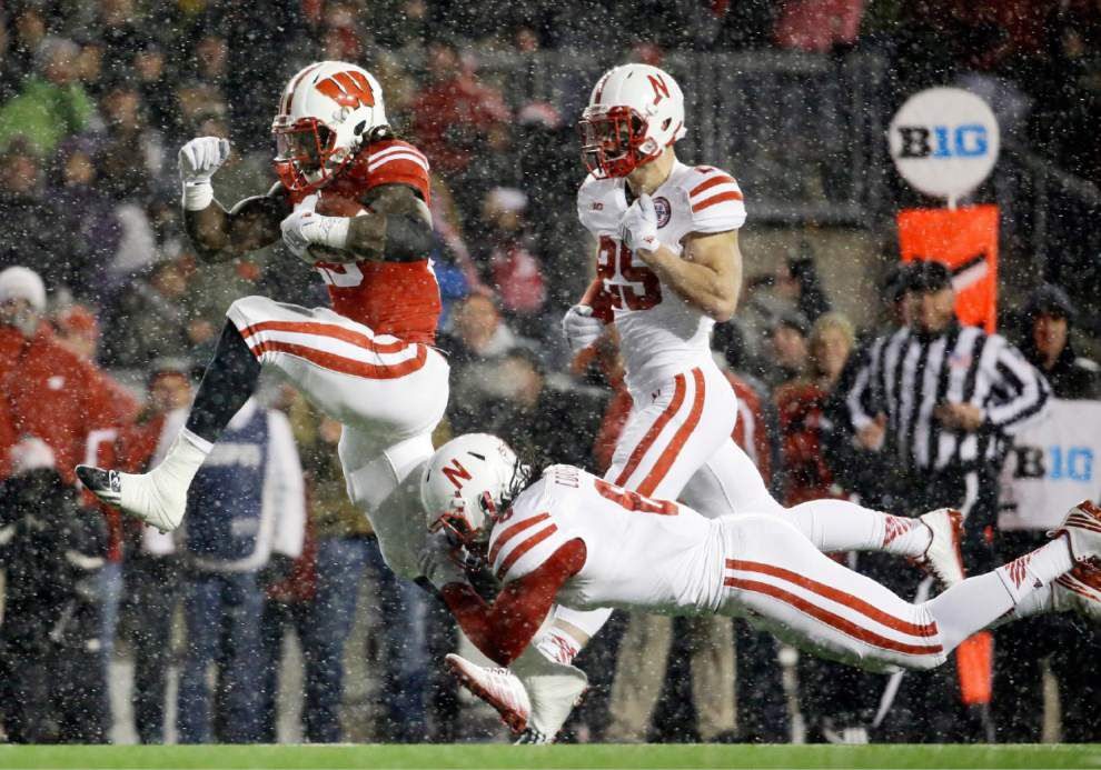 Melvin Gordon and Wisconsin rip Nebraska; Ohio State gets past Minnesota _lowres