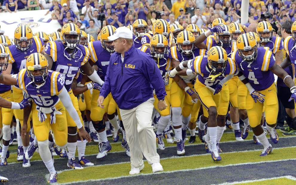 LSU football releases many roster changes; check out who redshirted, changed jersey numbers, walked on, more _lowres