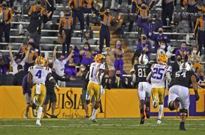Rabalais: LSU responds to its desperate hour with an all-around clutch effort against S.C.