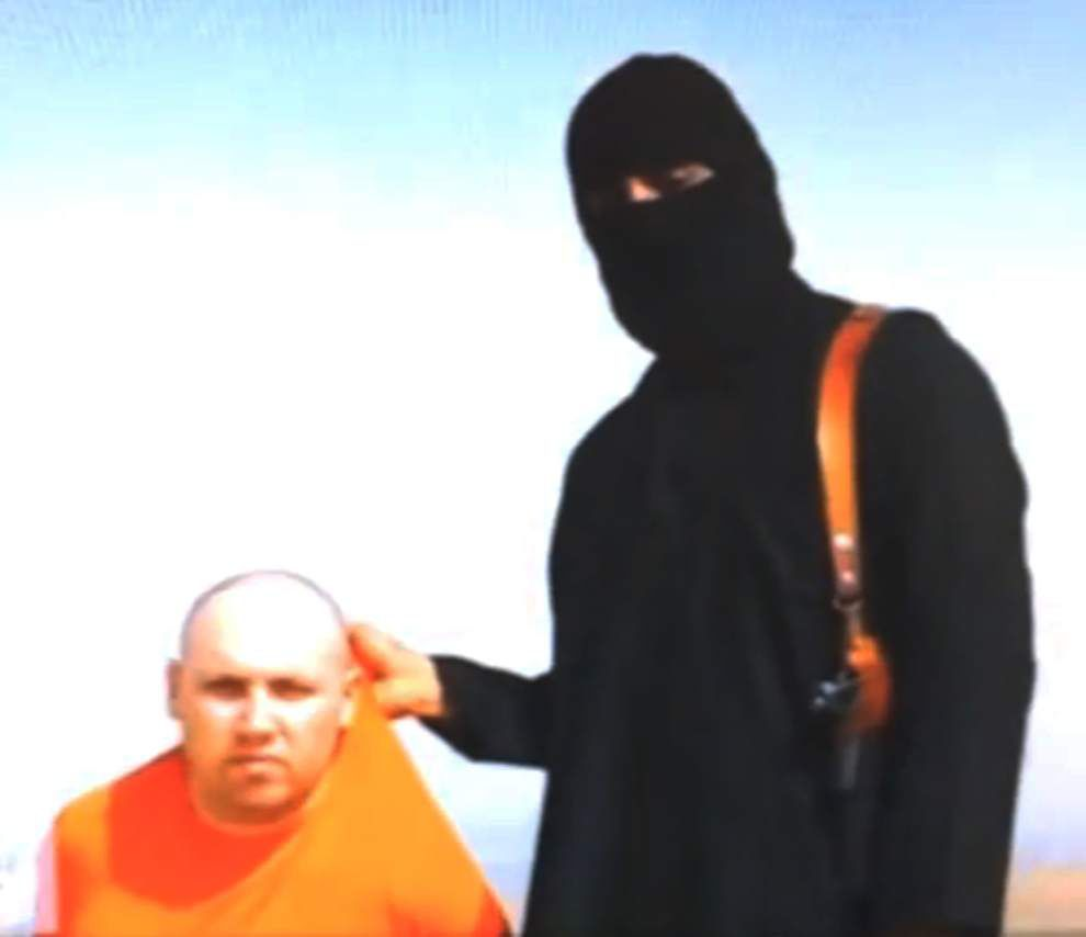 Video purports to show beheading of U.S. journalist _lowres