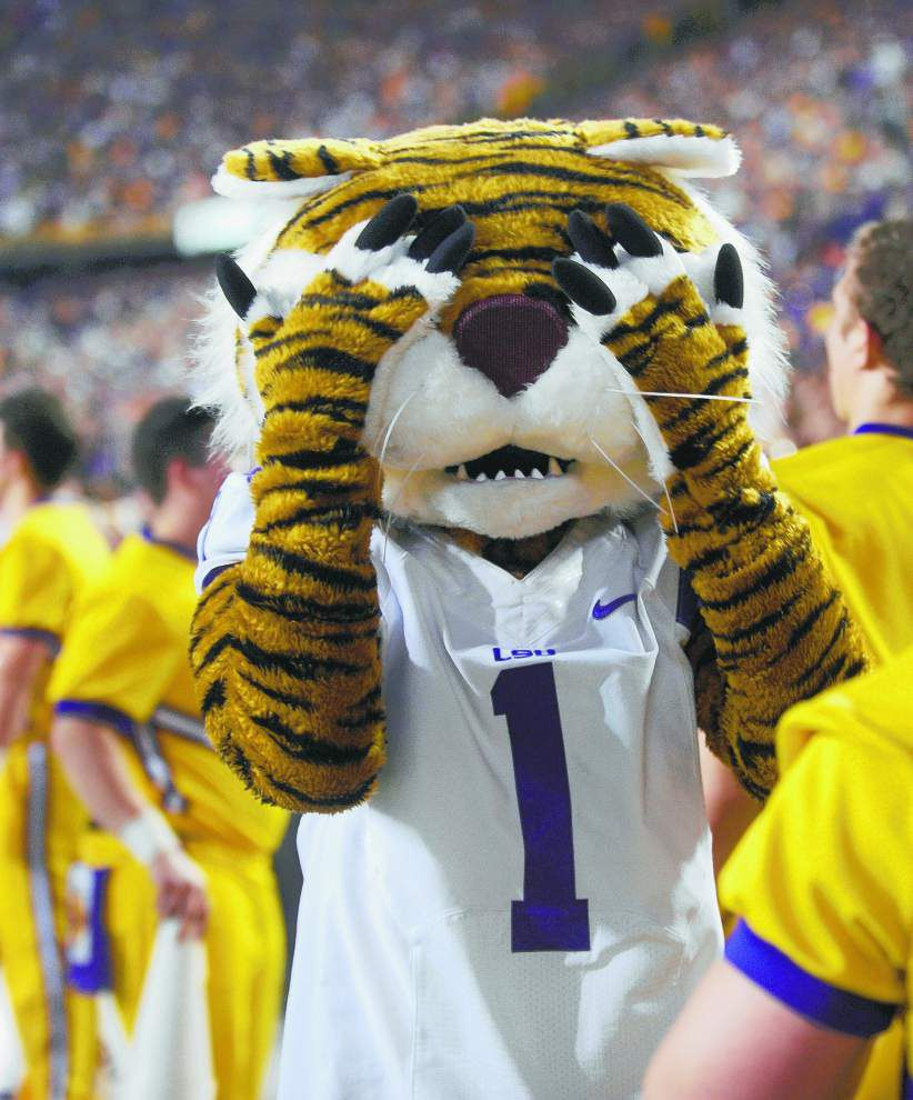 LSU officials struggle to rein in rambunctious student section _lowres