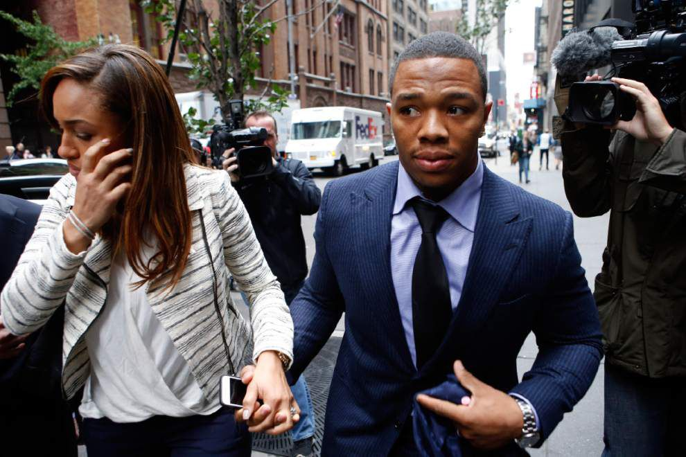 AP sources: Ray Rice, Ravens settle grievance _lowres