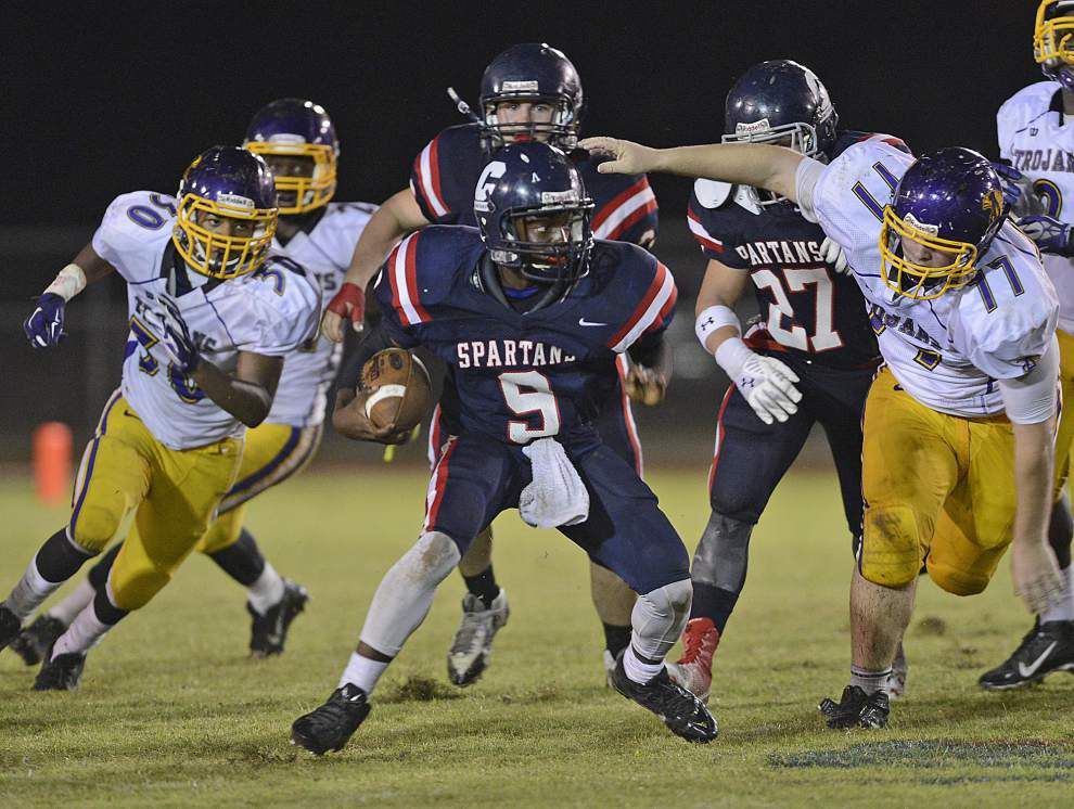 Hunter Register, Comeaux run past Alexandria _lowres