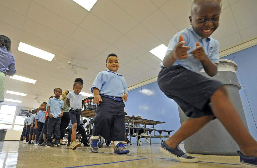 They're baaack: EBR students report to first day of school _lowres