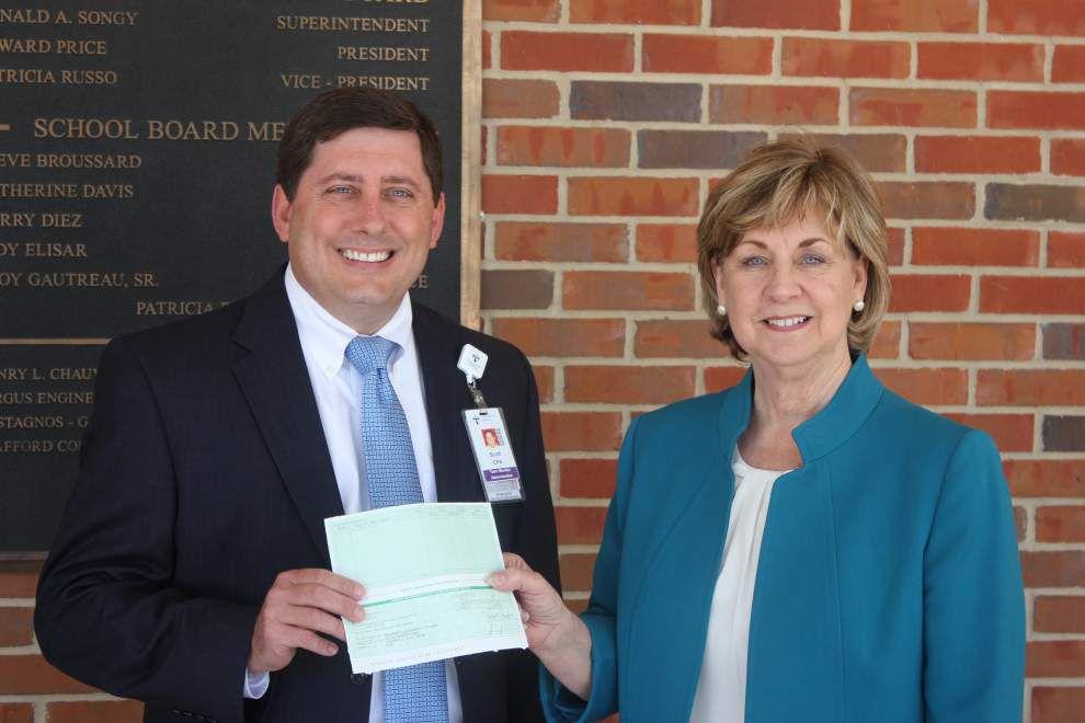 St. Elizabeth adopts Prairieville Primary _lowres
