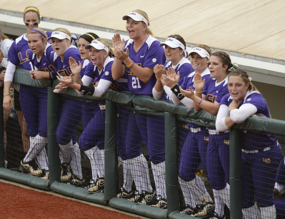Women's College World Series: LSU lose to Florida in opener 4-0; Next game Saturday 8:30 p.m. _lowres