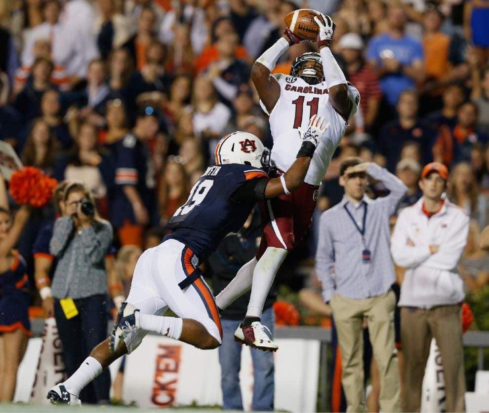 No. 5 Auburn survives scare 42-35 _lowres